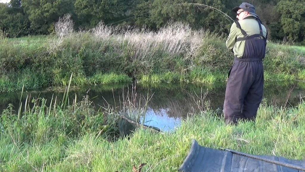 lure fishing for pike on rivers